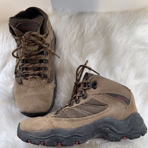 Bearpaws Hiking Boots Boys Size 6